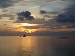 サムイ島の朝日.jpg