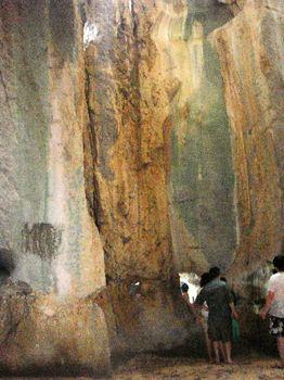 洞窟内部5.JPG